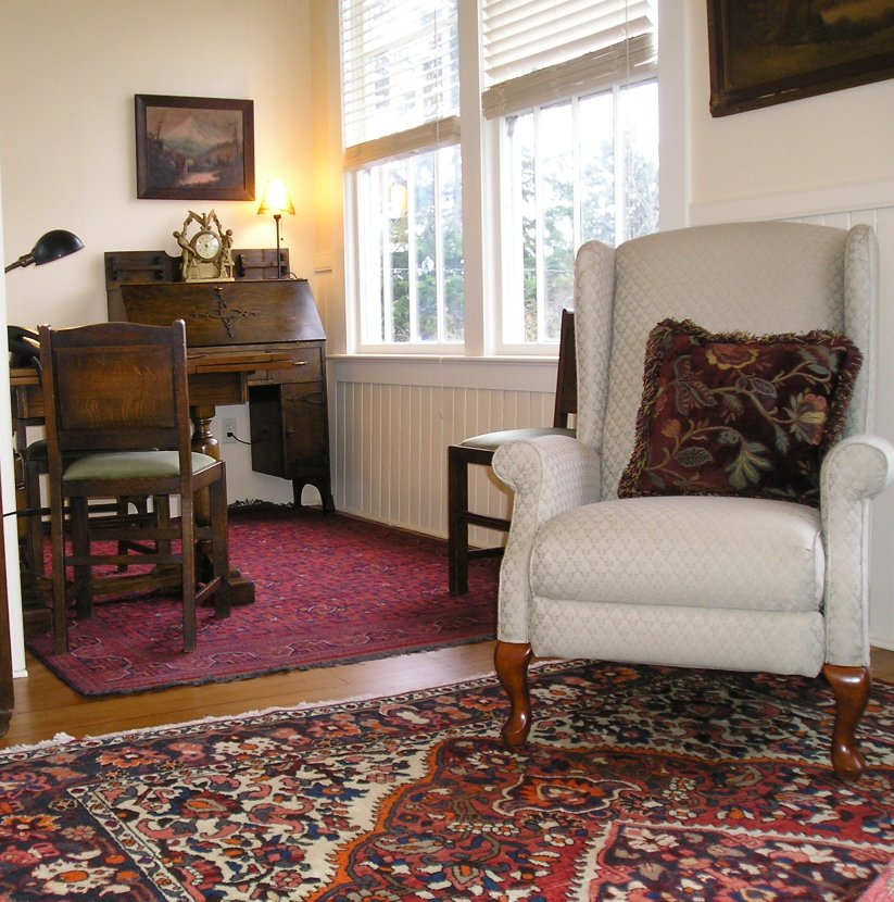 Fully Furnished Cozy One Bedroom Apartments Occupy The Upper Story Of A  Restored 1893 OSU Classroom Building. Huge Windows, 12 Foot Ceilings, Wool  Rugs And ...